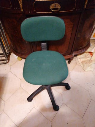 silla pequeña despacho con ruedas