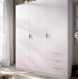 Armario blanco de 3 puertas