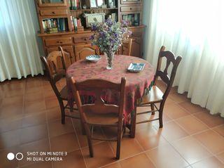 Conjunto mesa camilla y sillas
