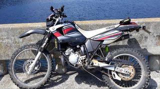 Yamaha dt 125 re deslimitada