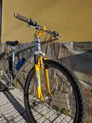 Bicicleta CUPS shimano