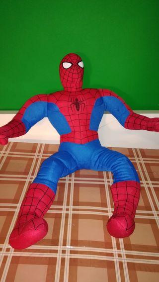 Spiderman musculoso