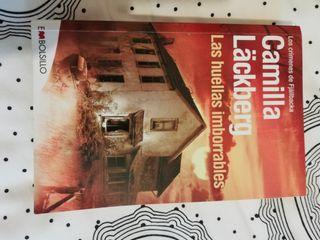 libro LAS HUELLAS IMBORRABLES Camilla Lackberg