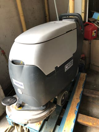 Maquina fregadora