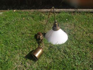 Antigua lampara de polea