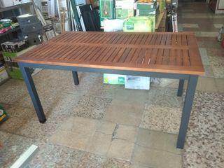 mesa de terraza 40€
