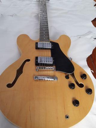 Guitarra semicaja Samick SAN 450