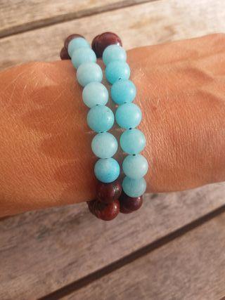 pulsera amazonita azul y semillas marrones