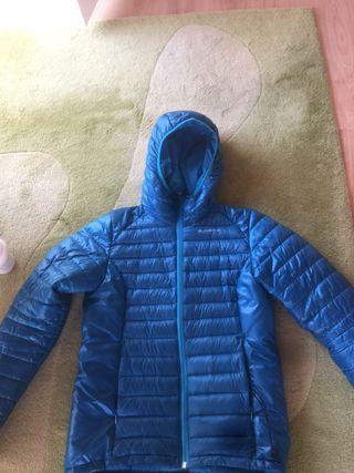 Anorak fino color azul de quechua