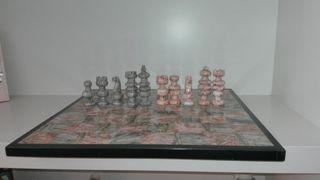 Juego de ajedrez de mármol