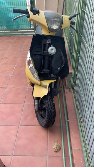 se vende ciclomotor 120 euros