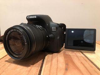 Canon EOS 700D + objetivo 18-55 + SD + funda