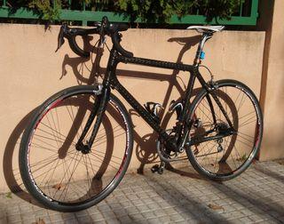 Bicicleta carretera carbono en perfecto estado