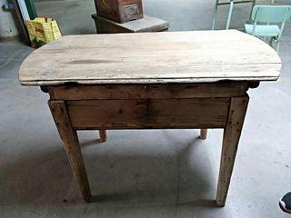 Muebles antiguos por restaurar