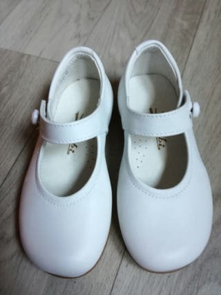 Zapatos bambi talla 22
