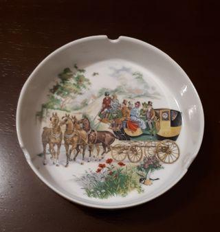 Cenicero de porcelana Guillen