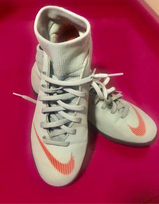 Zapatillas de fútbol sala de segunda mano en la provincia de