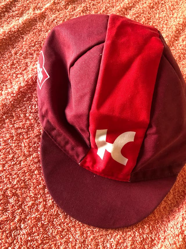 Gorra equipo katusha nueva