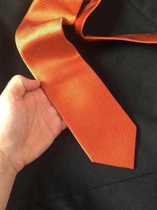 Corbatas naranja