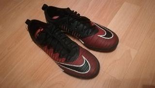 Botas de fútbol Nike multitacos Talla 42