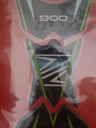 protector depósito Kawasaki Z900