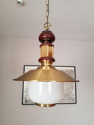 Lámpara farol de madera y latón