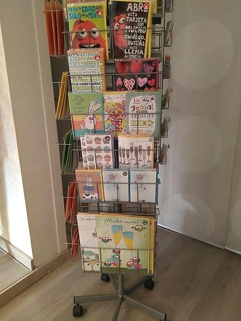 Expositor tarjetas de felicitación