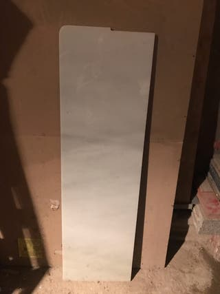 Pieza de mármol blanco pais