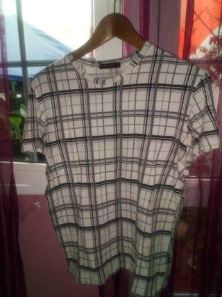Camiseta Estilo Burberry