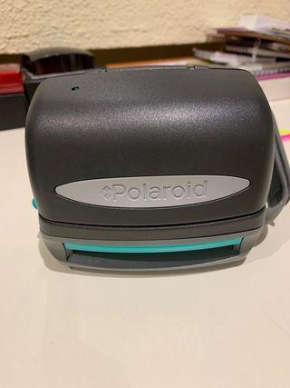 Cámara de fotos polaroid 600