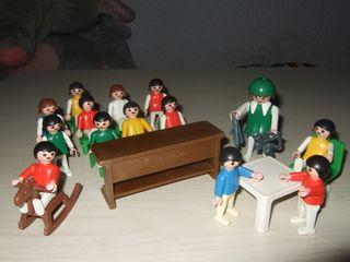 Colegio niños playmobil