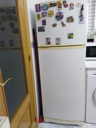 Frigorifico con congelador