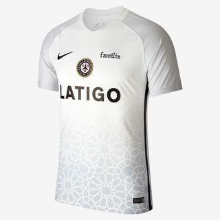 Nike y LATIGO presentan la nueva camiseta de Dellafuente F.C