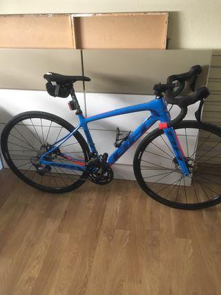 Bicicleta de carretera de carbono BH