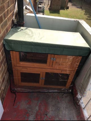 Outdoor small pet hutch