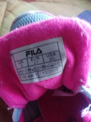 Zapatos marca fila muy bonitos de segunda mano por 7 € en