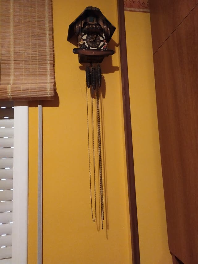 Reloj de pared cucu musical suizo