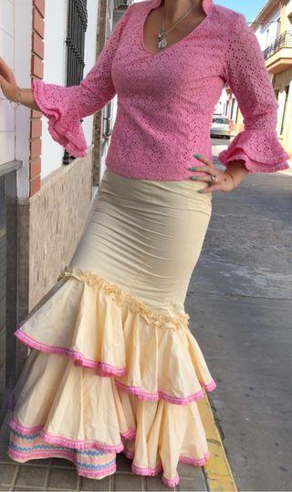 Traje de flamenca dos piezas tela perforada