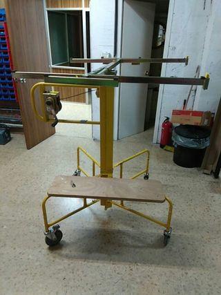 Elevador de placas o tableros y maquinaria