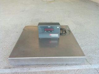 báscula industrial de 600kg de la marca mobba