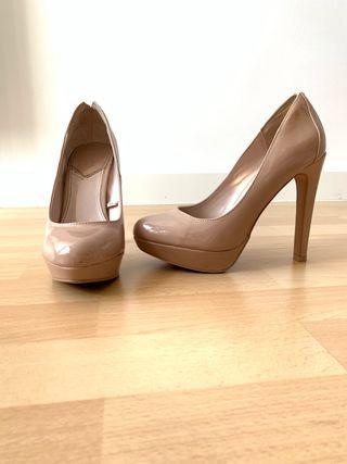 Zapato tacón y plataforma
