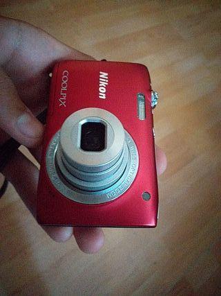 cámara de fotos y video Nikon coolpix 2800
