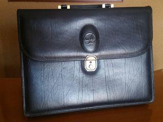Maletín porta-documentos marca Dior