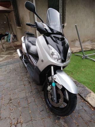 Yamaha X-Max 125cc