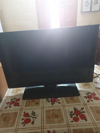 Television 32 Pulgadas Sunstech + altavoces Sony.