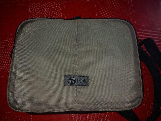 maletin portatil o tablet lg