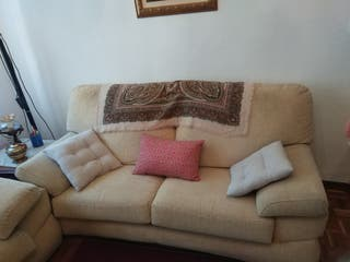 1 Sofá de dos plazas