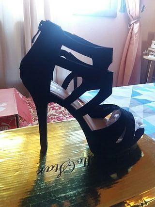zapatos tacón fiesta 18€ y sandalias 22€