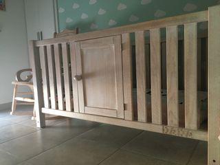 Habitación bebé madera maciza