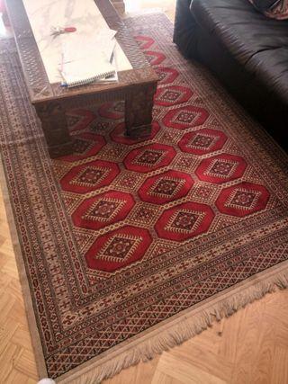 Alfombra roja estilo persa